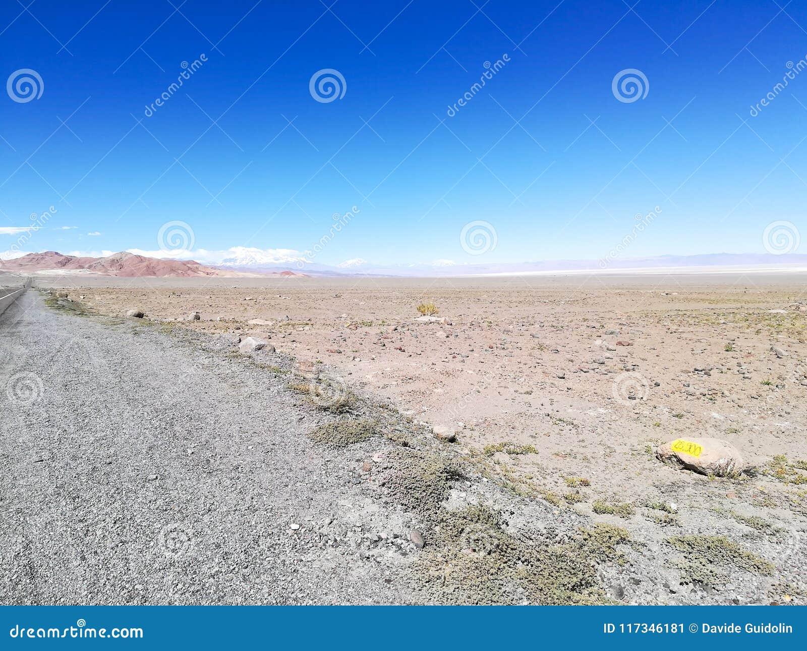 Strada alla riserva naturale del fenicottero, Cile