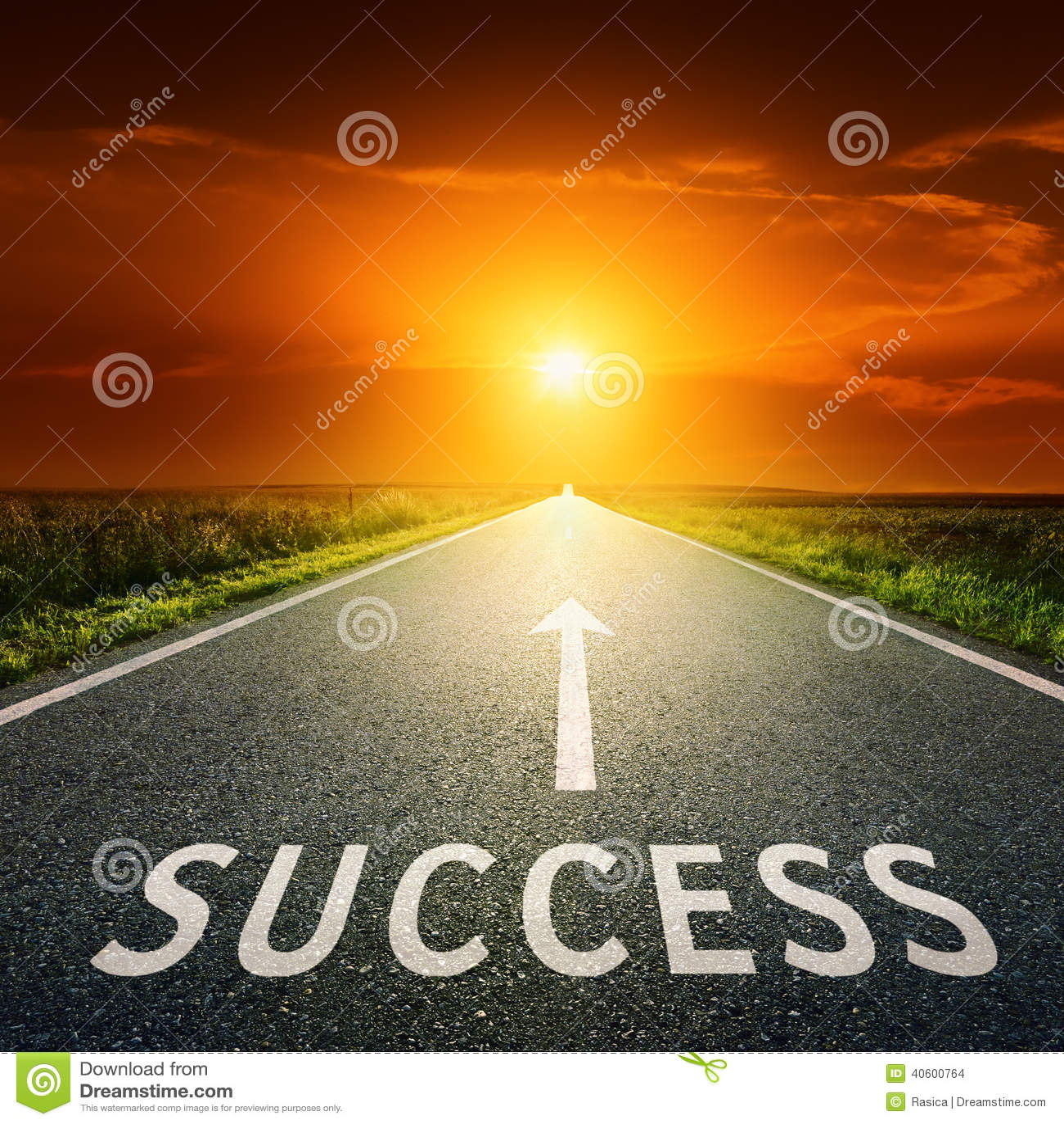 Strada asfaltata e segno vuota che simbolizzano successo