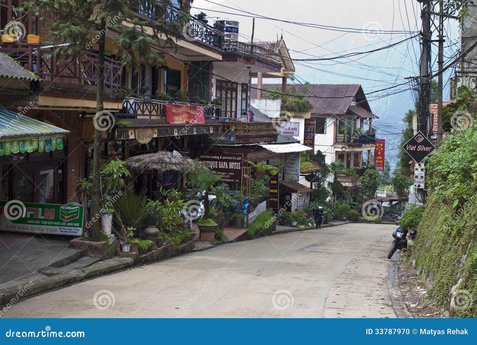 Strada principale nel centro edificato