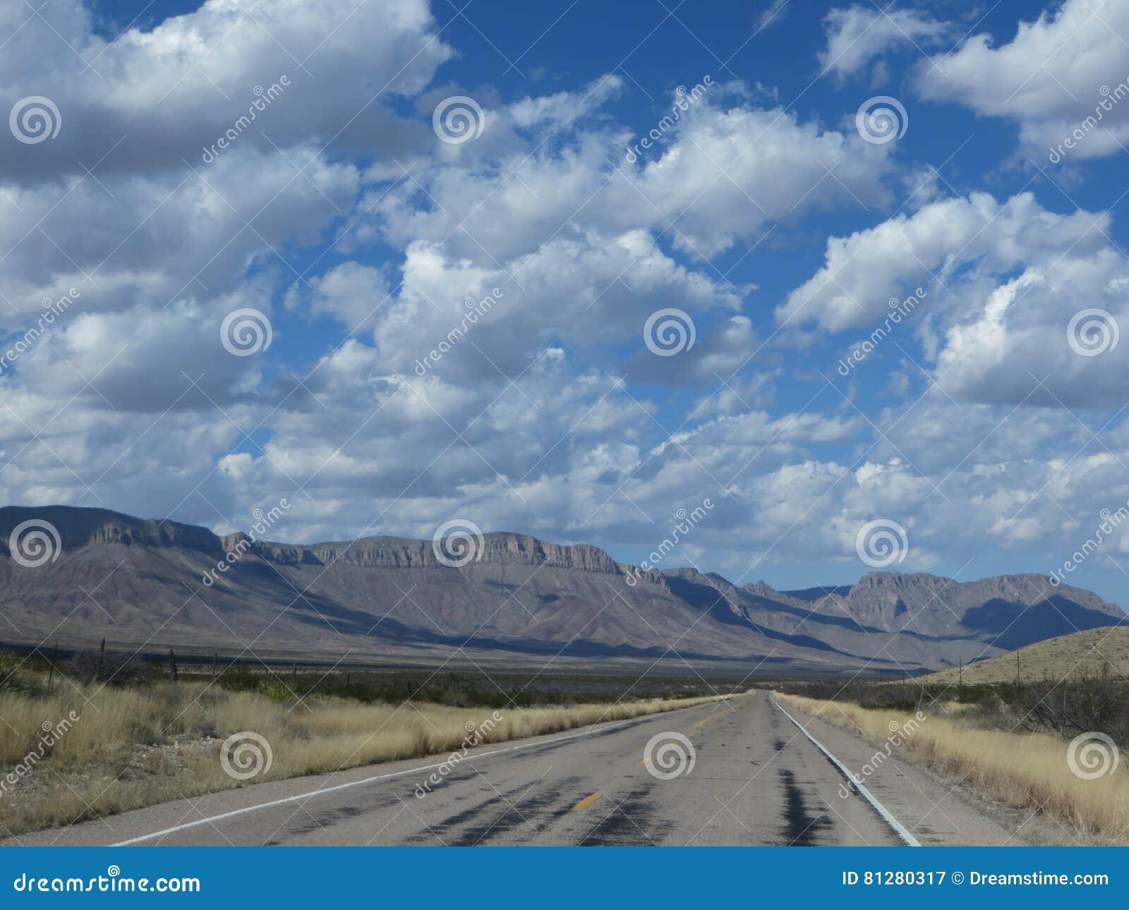 Strada principale sola