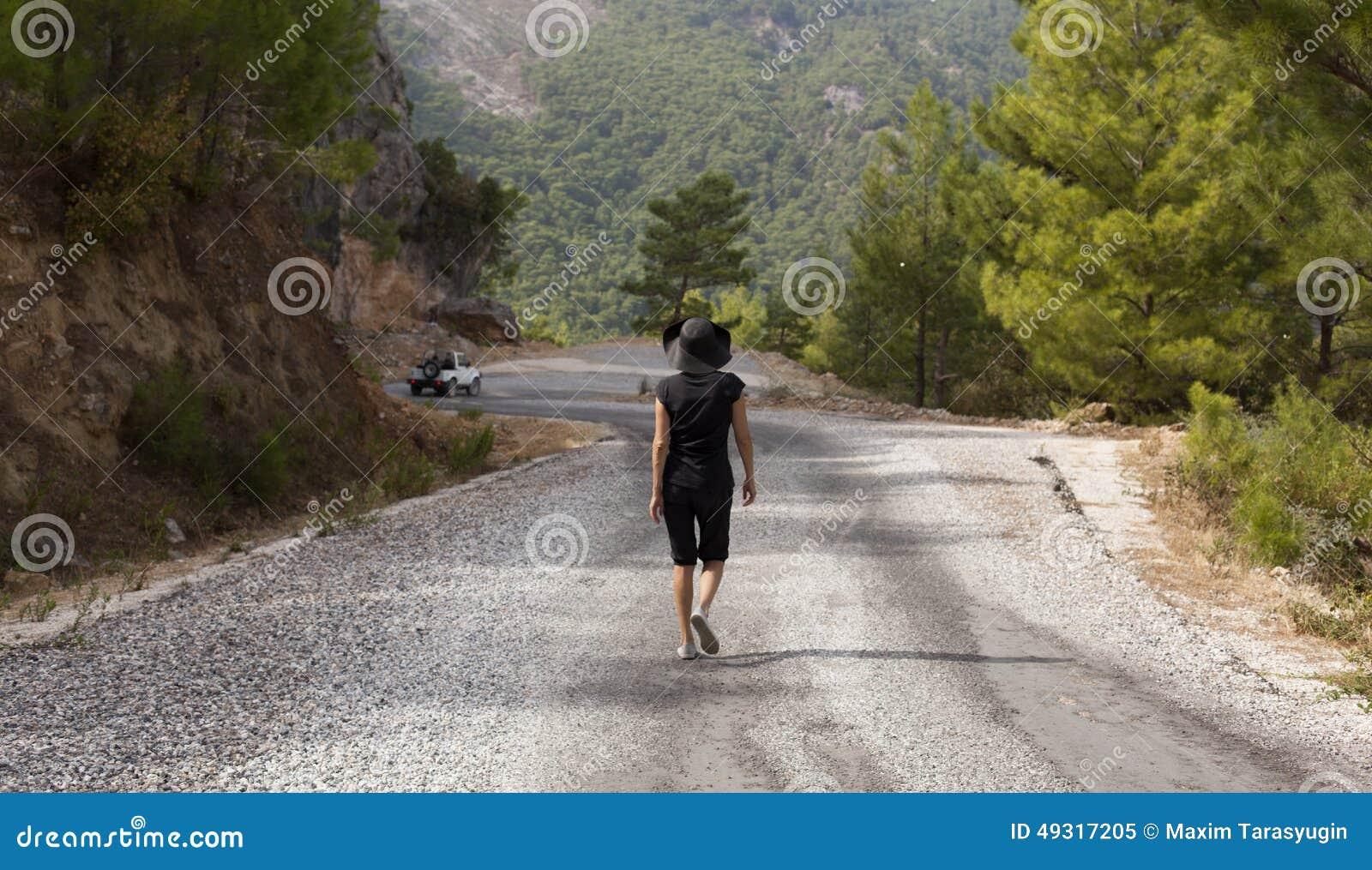 Strade di trekking delle viandanti della donna e dell 39 uomo for Planimetrie della caverna dell uomo