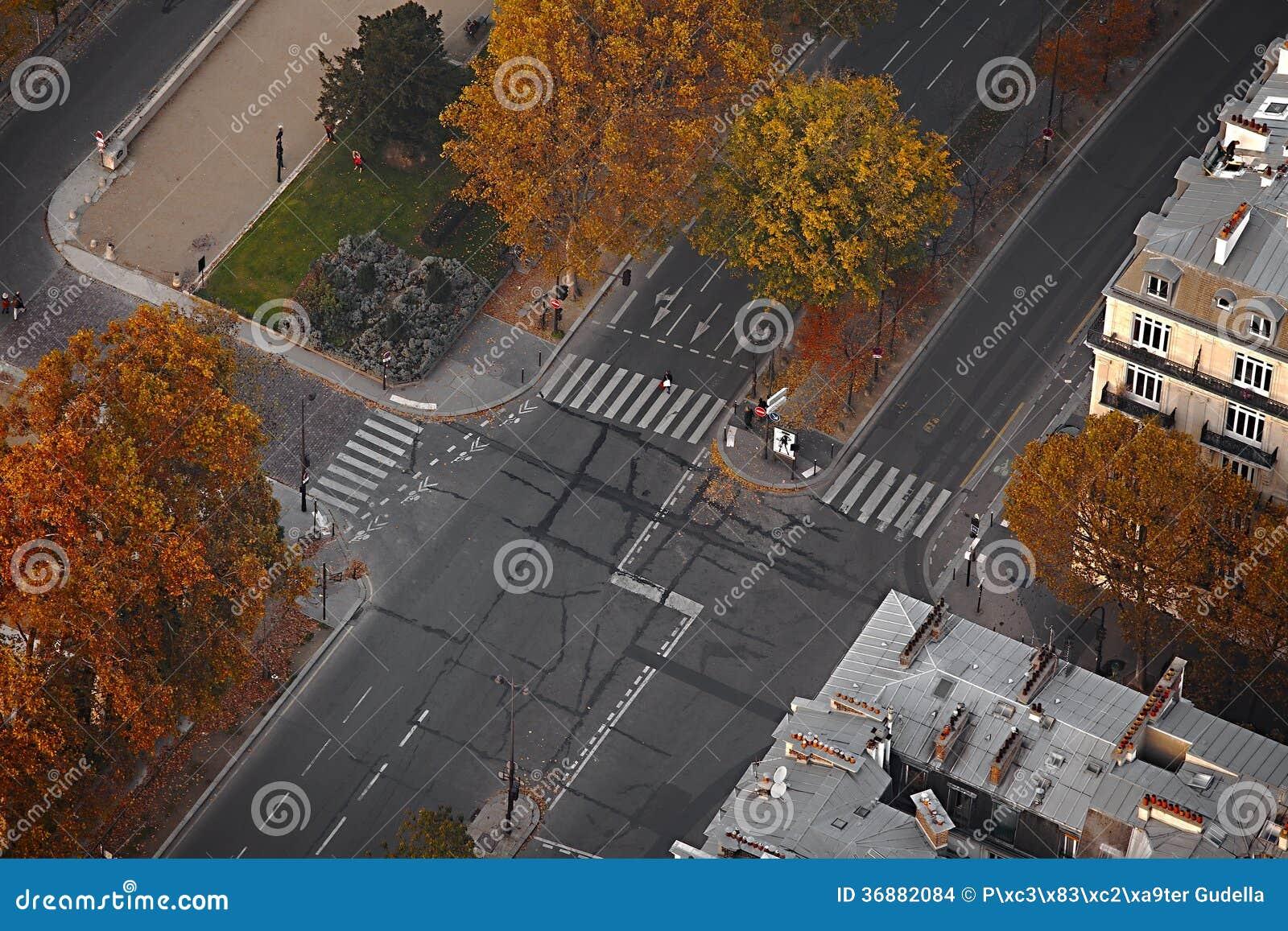 Download Strade trasversali fotografia stock. Immagine di urbano - 36882084