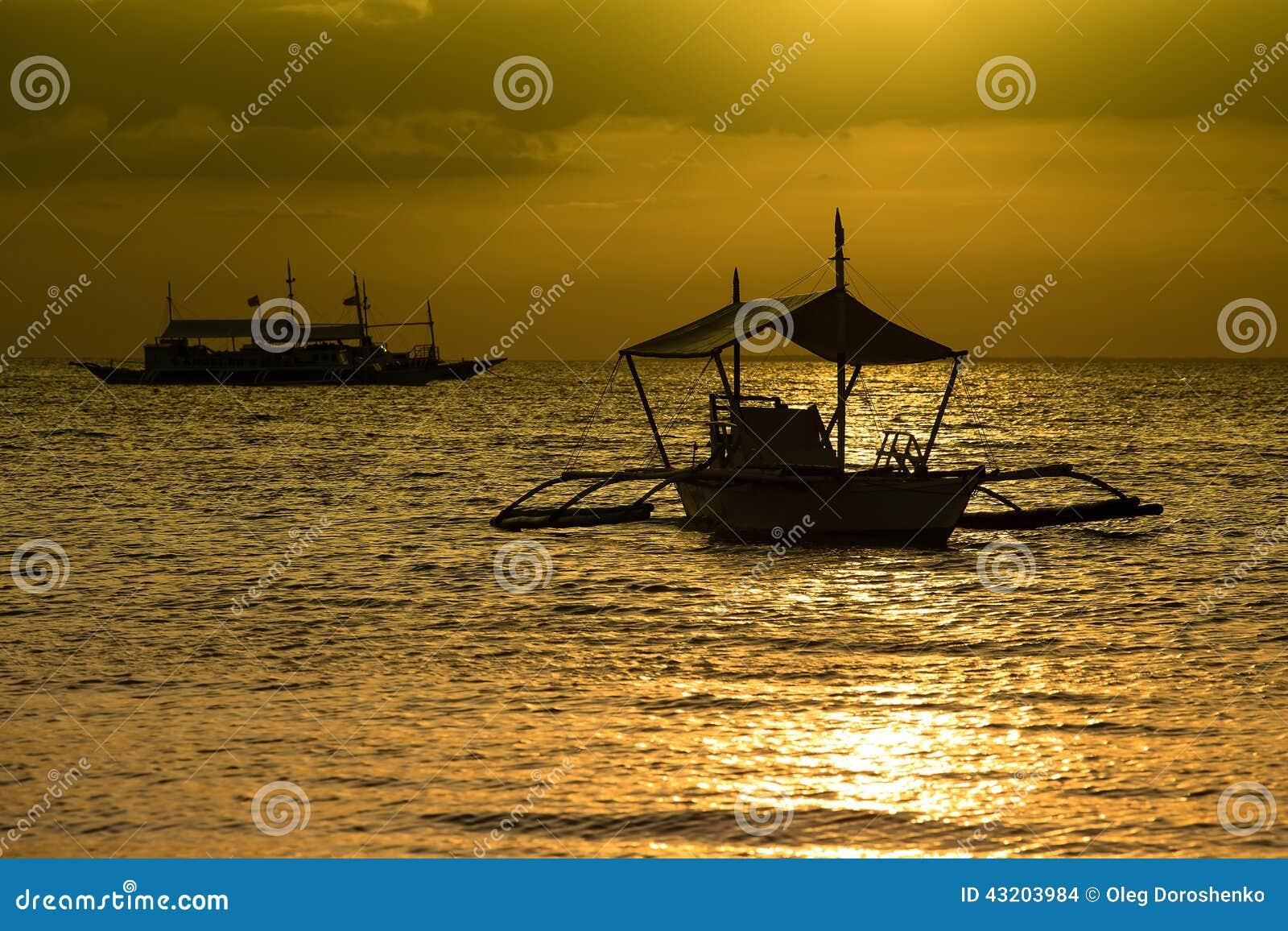Download Strand över solnedgång arkivfoto. Bild av liggande, lopp - 43203984