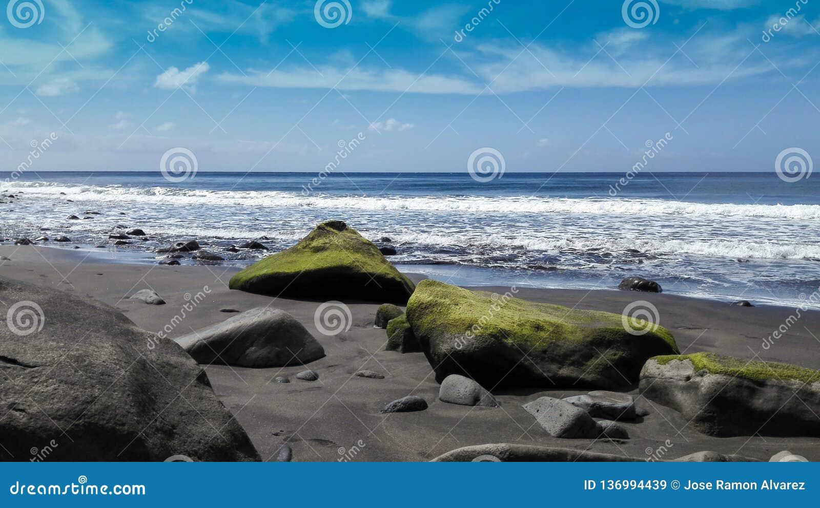 Strand av Igueste de San Andrés i Tenerife