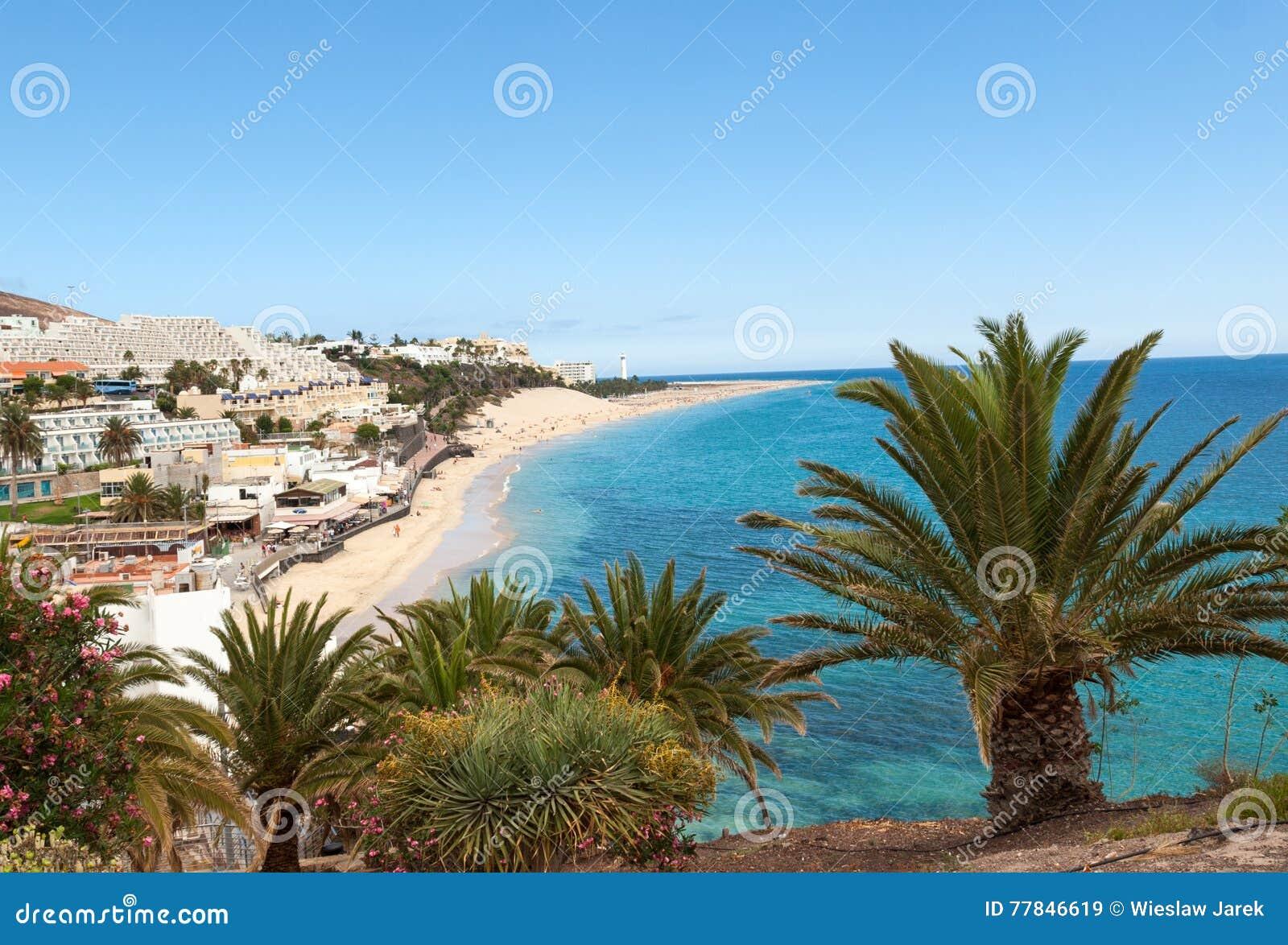 Strand av Morro Jable, kanariefågelö Fuerteventura,