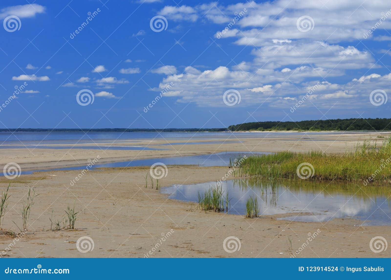 Strand i mitt--sommar