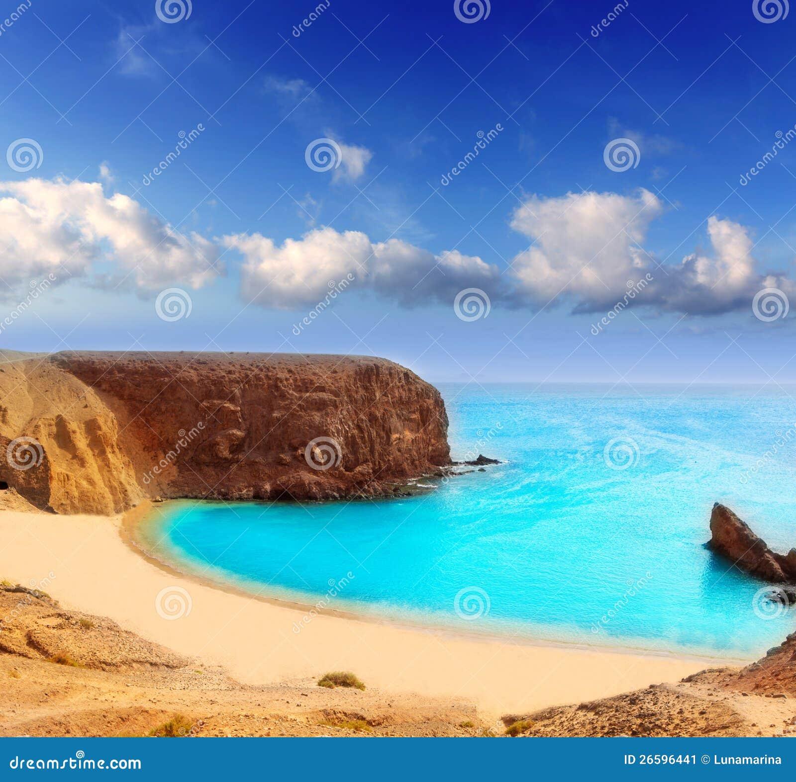 strand lanzarote el papagayo playa in canaries stockbild bild von sommer himmel 26596441. Black Bedroom Furniture Sets. Home Design Ideas