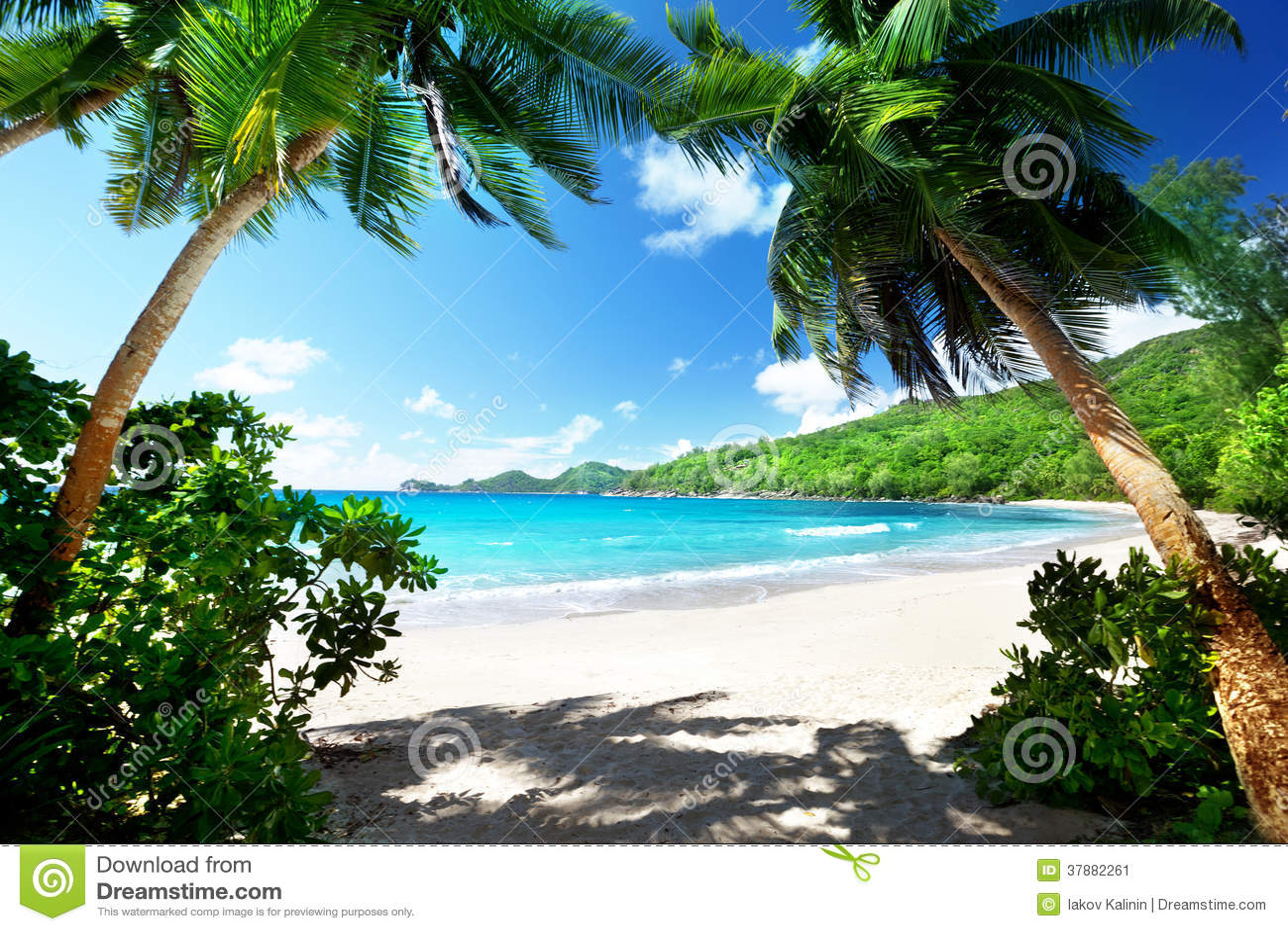 Strand in Mahe-eiland, Seychellen