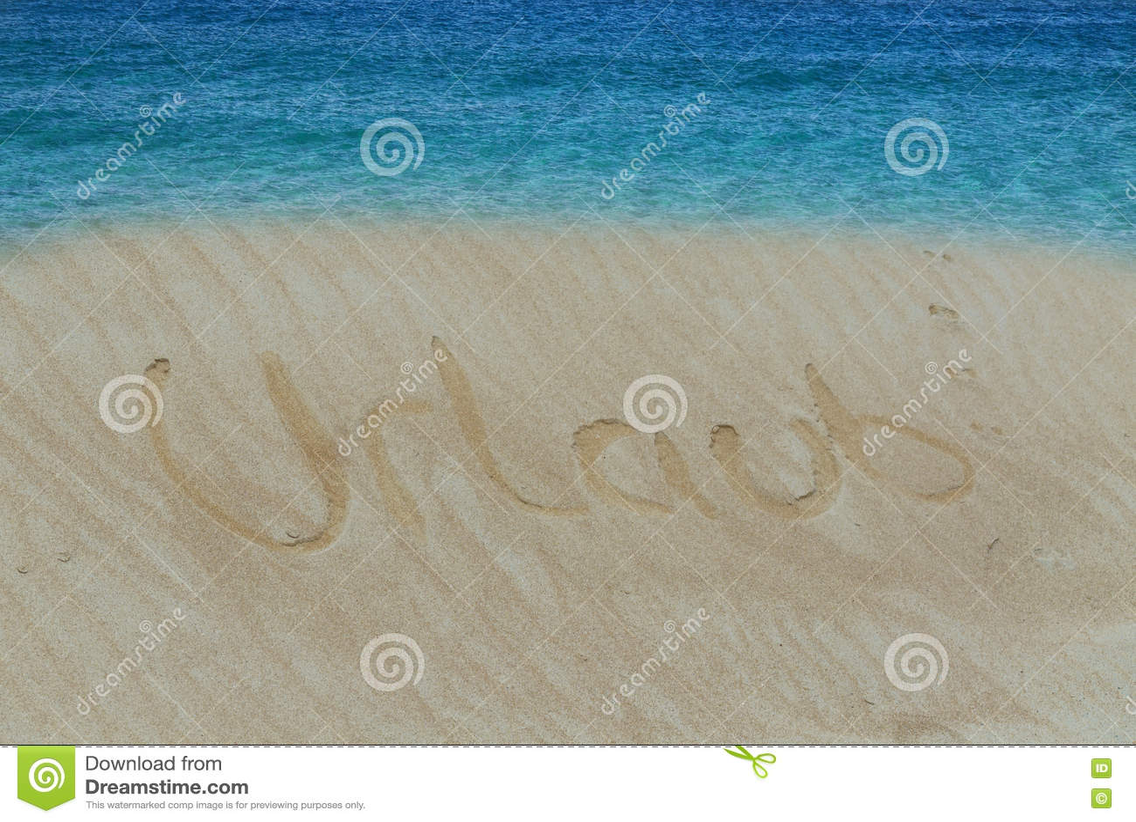 Strand med som prenumereras i sandordet i tysk ferie