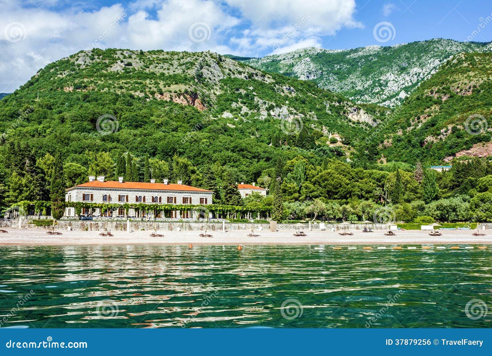 Strand in Montenegro - hotel in het strand van de Koninginnen, Budva.