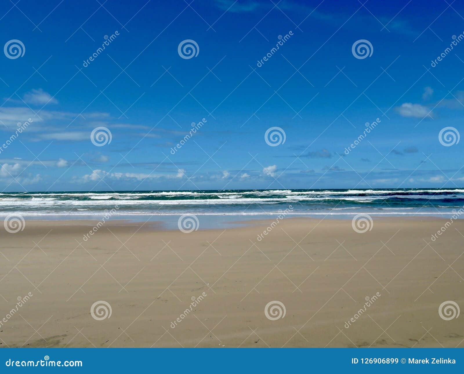 Strand op Fraser Island, Australië