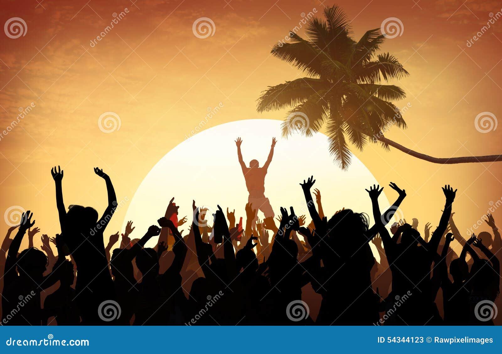 Strand-Sommer-Musik-Konzert-draußen entspannendes Verfolgungs-Konzept