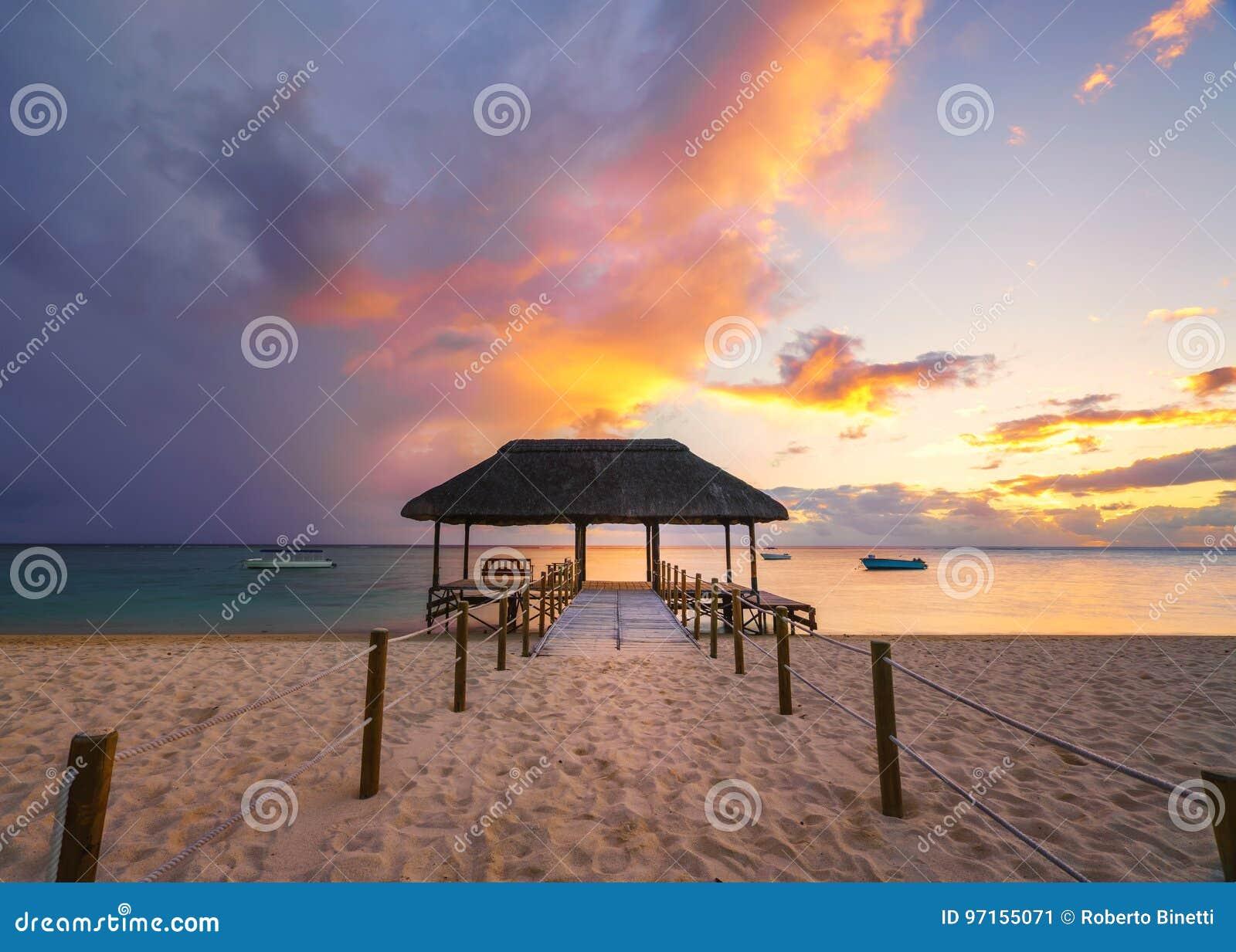 Strand Van Flic Het Engelse Flac Bij Zonsondergang