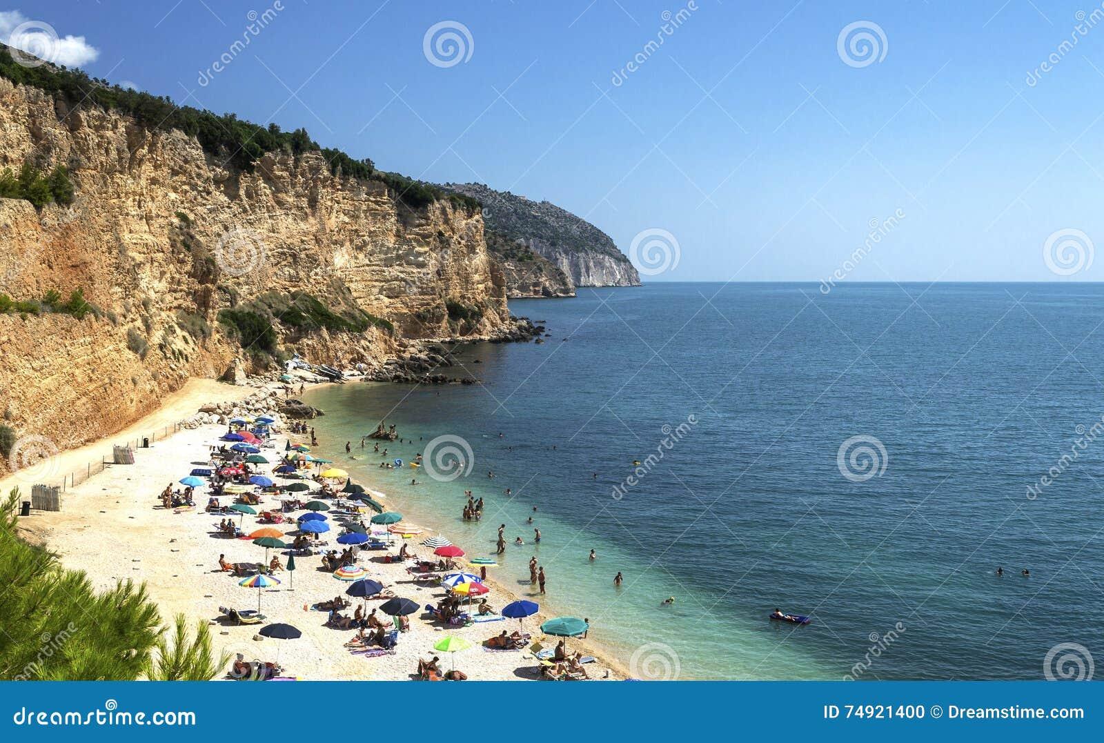 Strand von Punta-rossa in Mattinata - Gargano - Apulien
