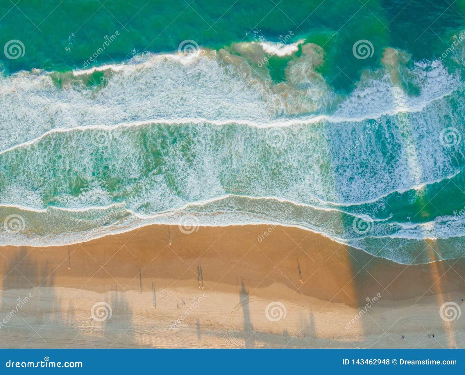 Strand-Wellen