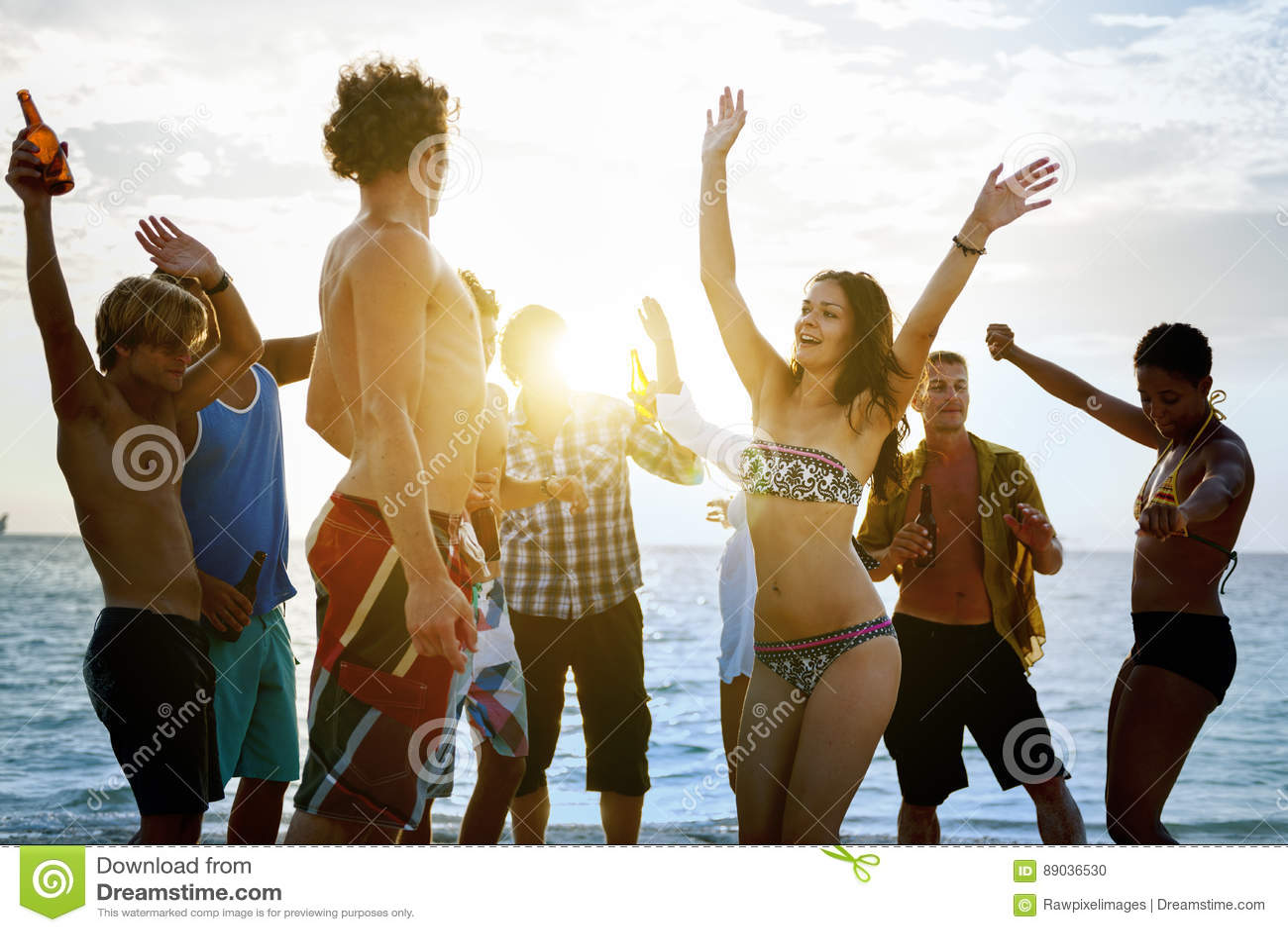 Strand-Zusammengehörigkeits-Feiertags-Mengen-Freundschafts-Konzept