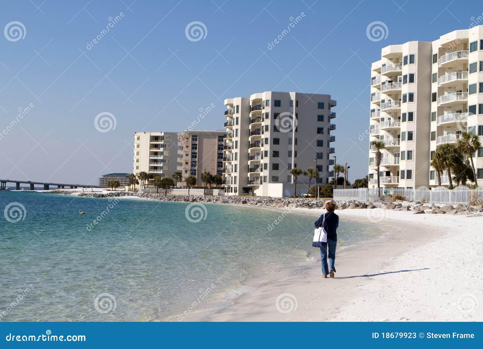 Stranddestinkvinna