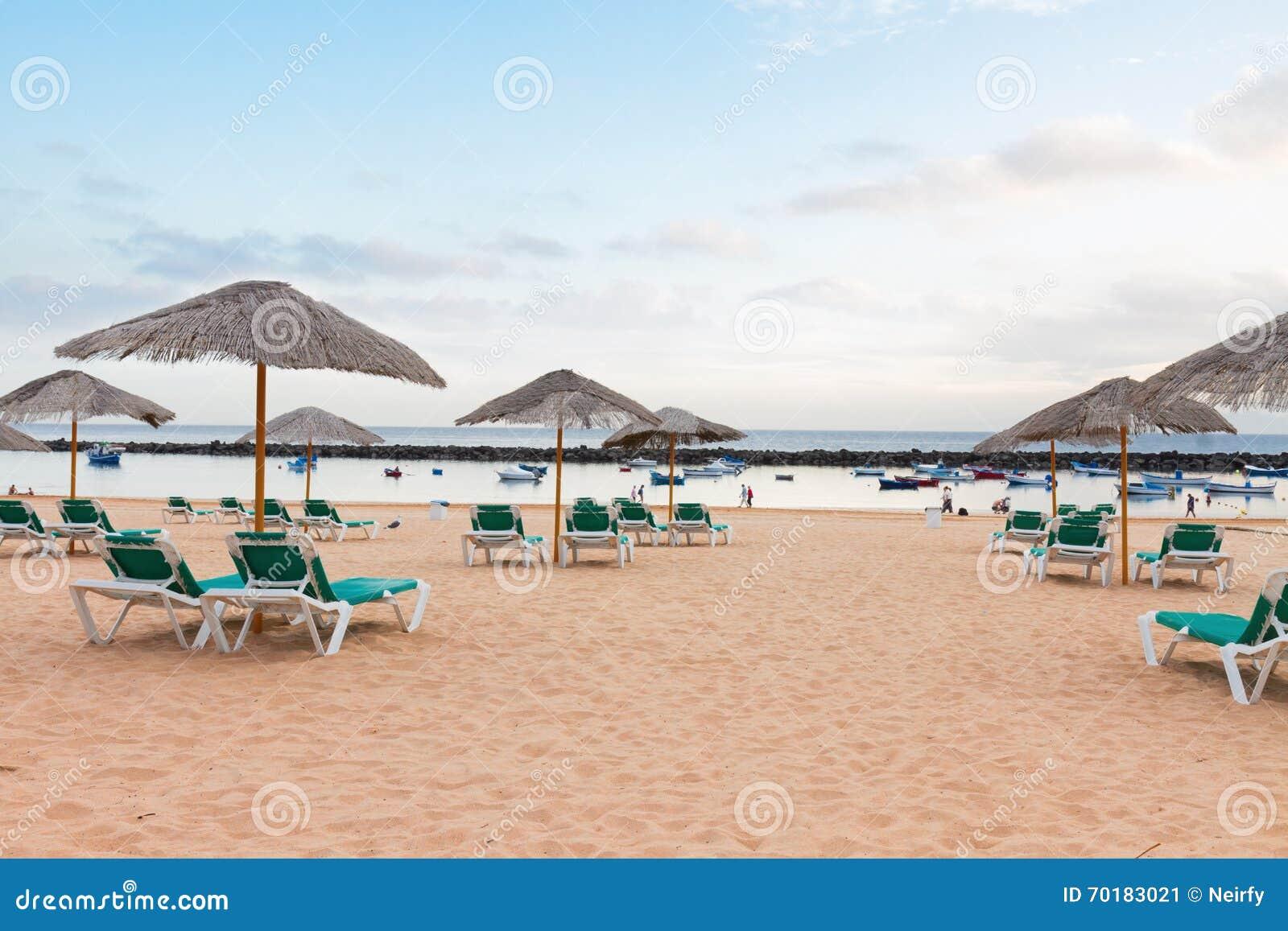 Stranden chairs paraplyer