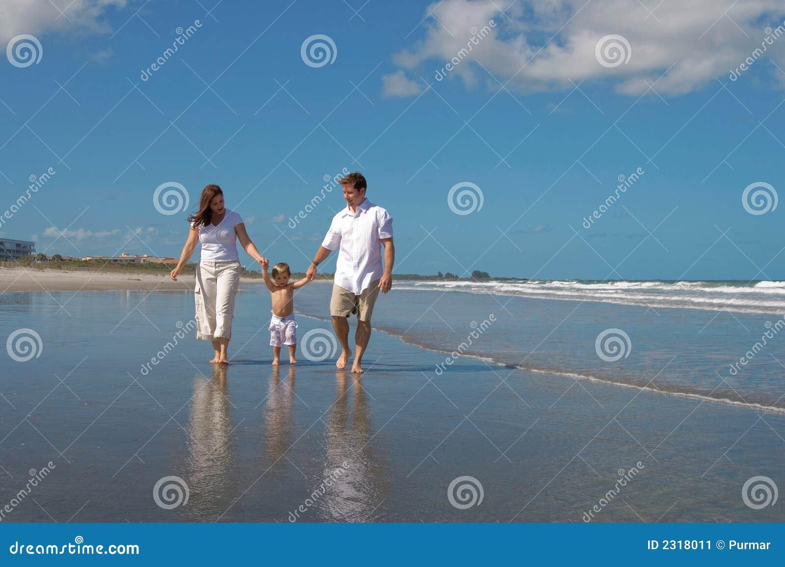 Stranden går