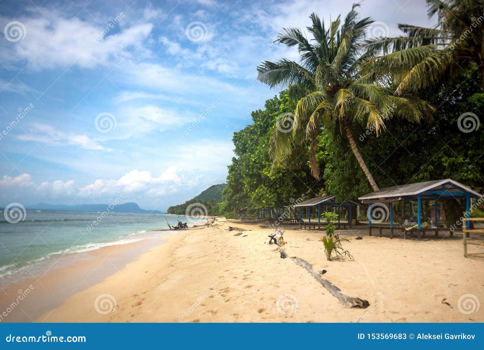 Stranden i Papua Nya Guinea