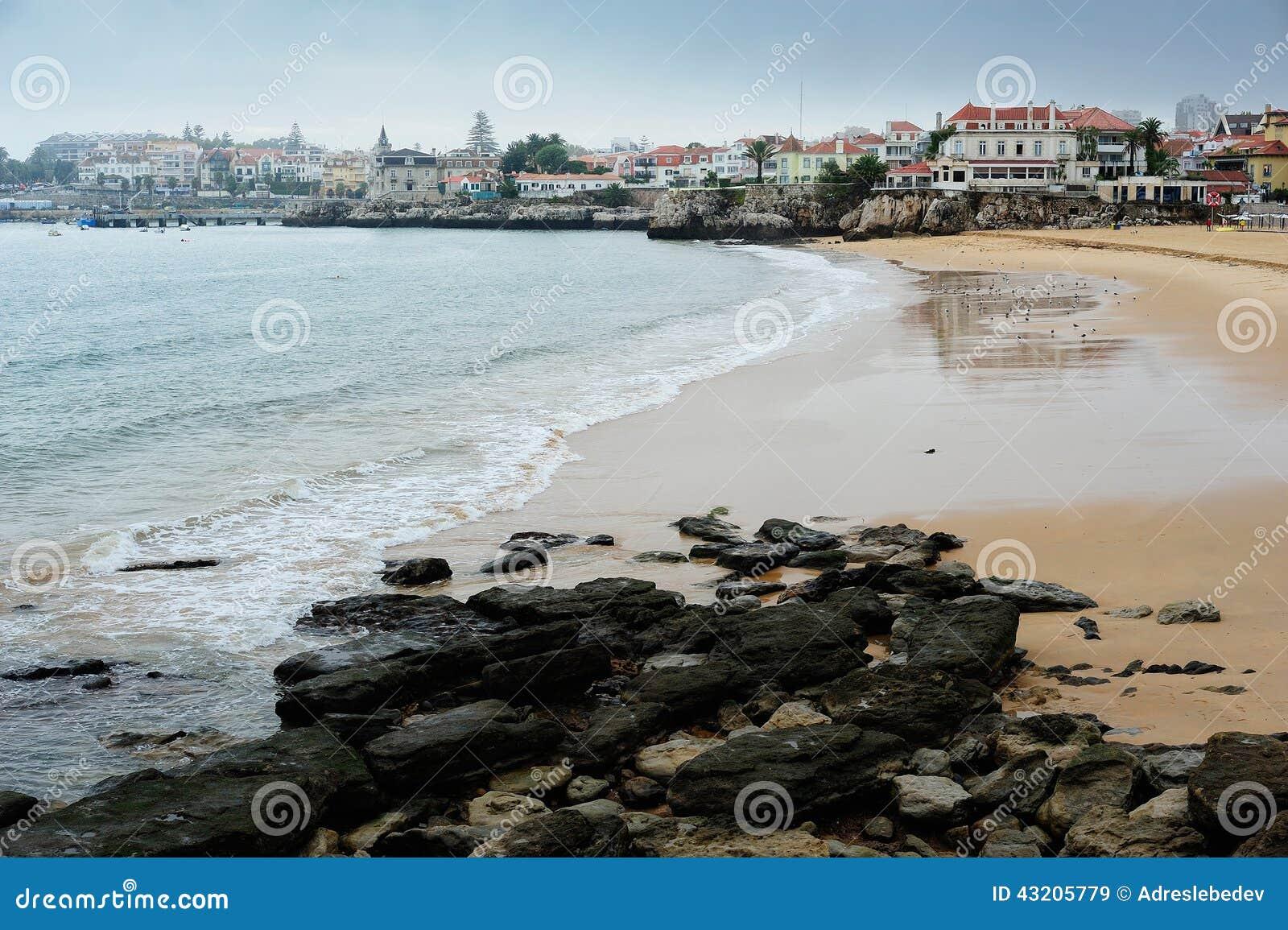 Download Stranden På Cascais, Portugal Fotografering för Bildbyråer - Bild av portugal, turism: 43205779