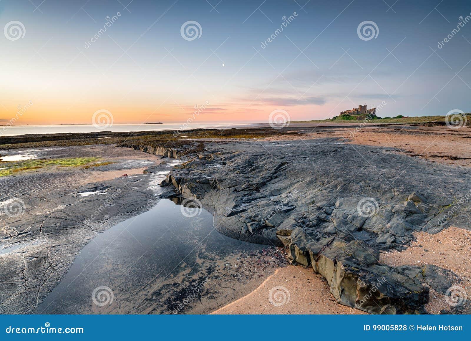Stranden på den Bamburgh slotten