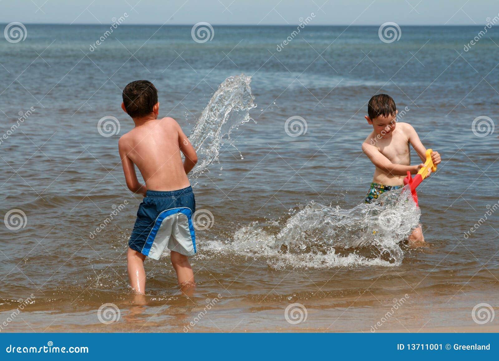 Stranden tycker om roliga waves