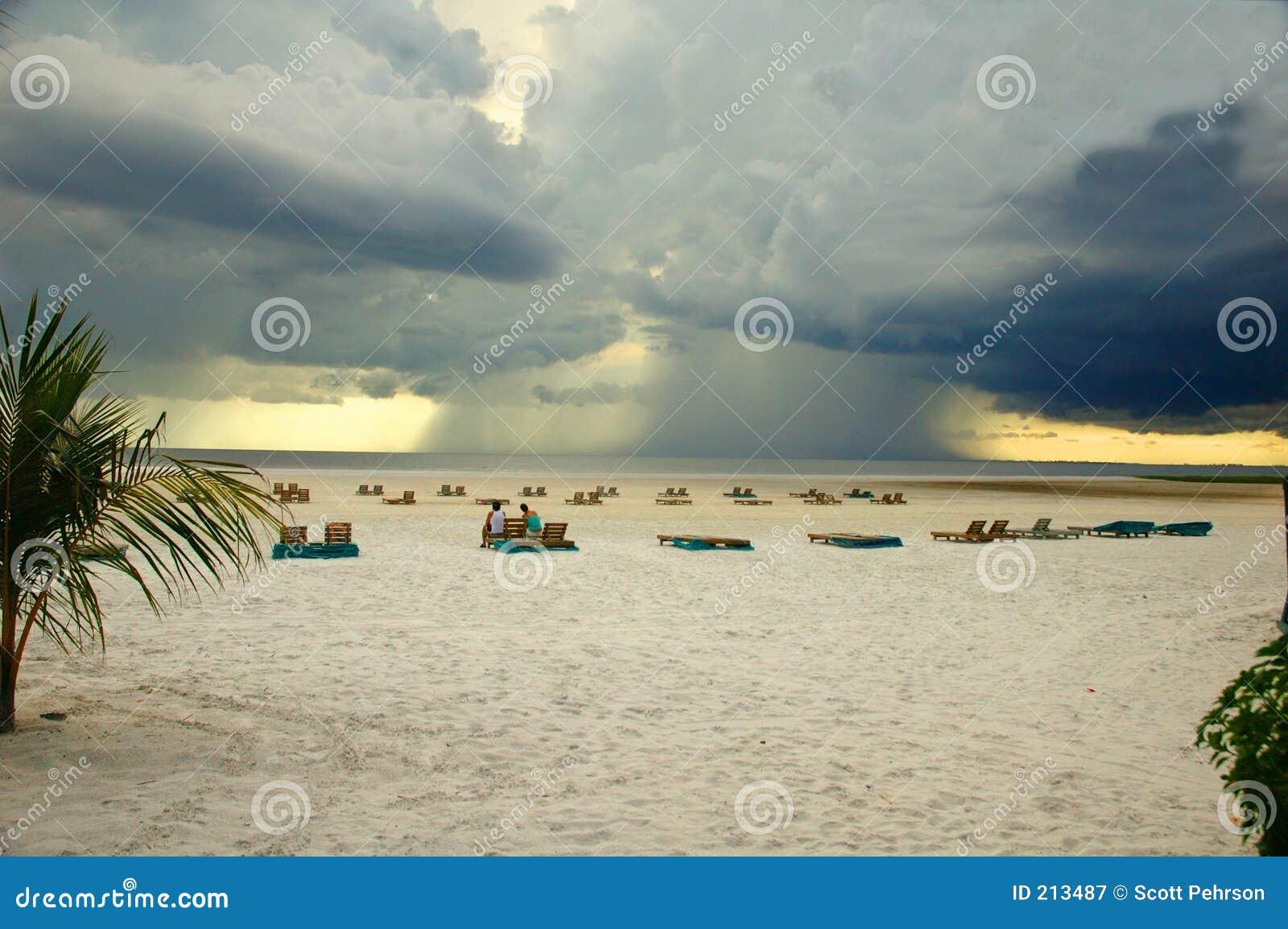 Strandflorida Fort Myers frånlands- thunderstorm