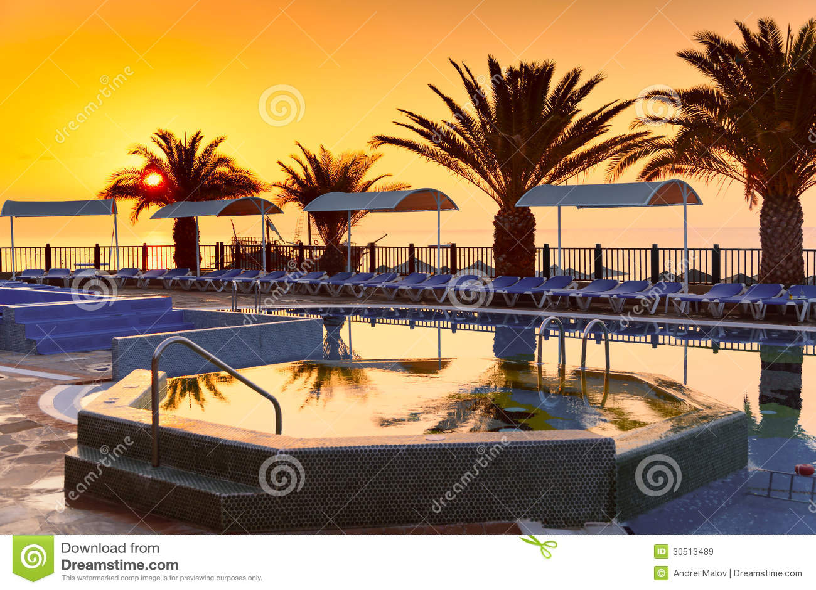 Strandhotelerholungsort mit Pool