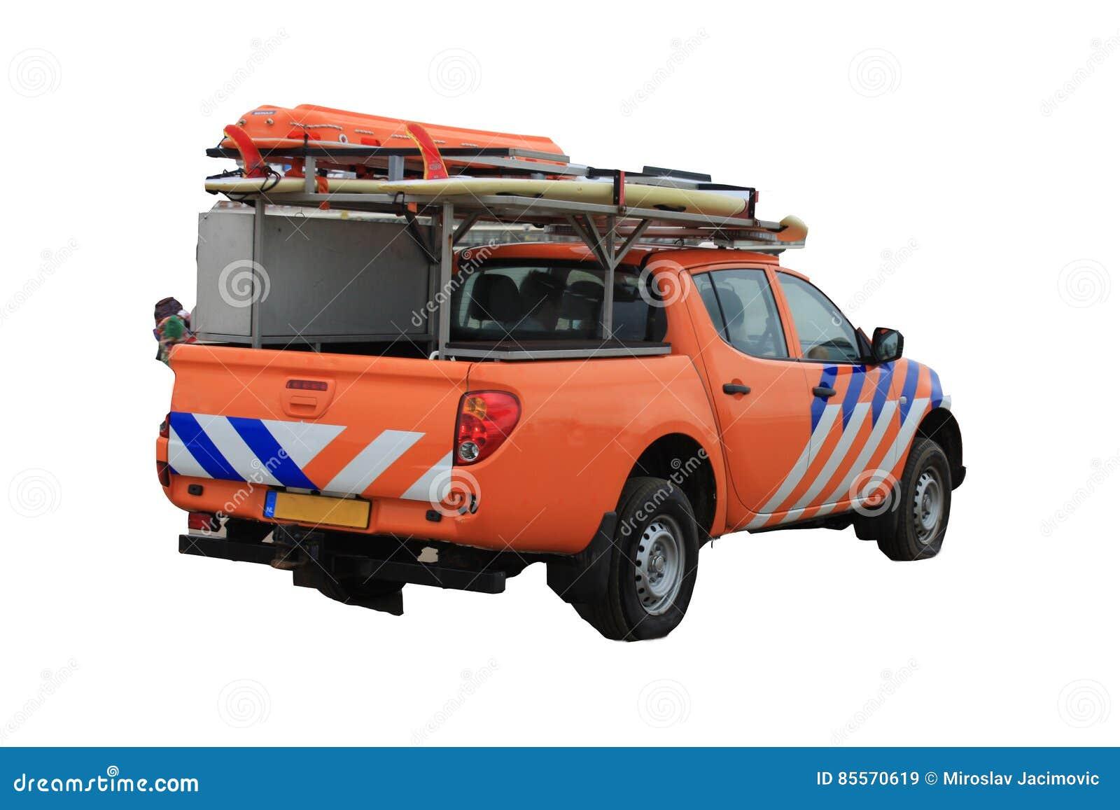 Strandpatrull- eller livräddarelastbil på den vita bakgrunden