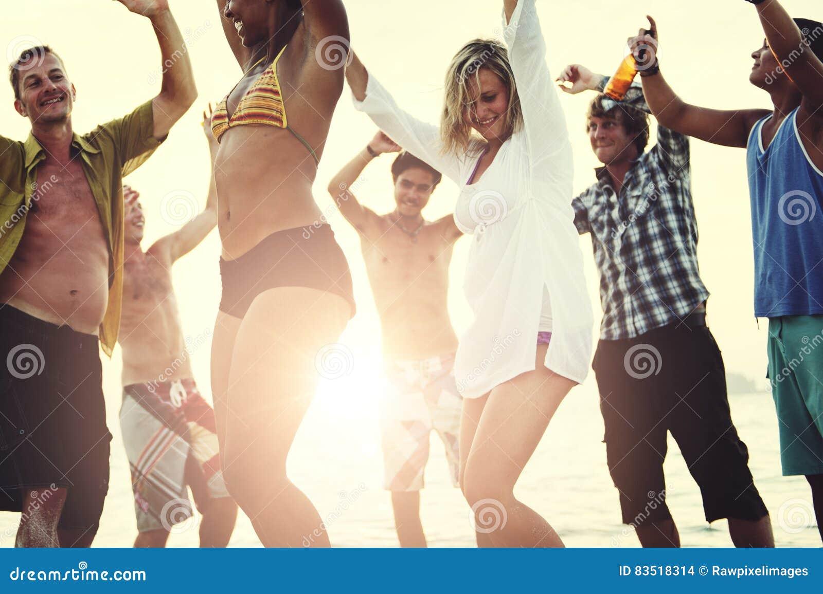 Strandsemester som tycker om ferieavkopplingbegrepp