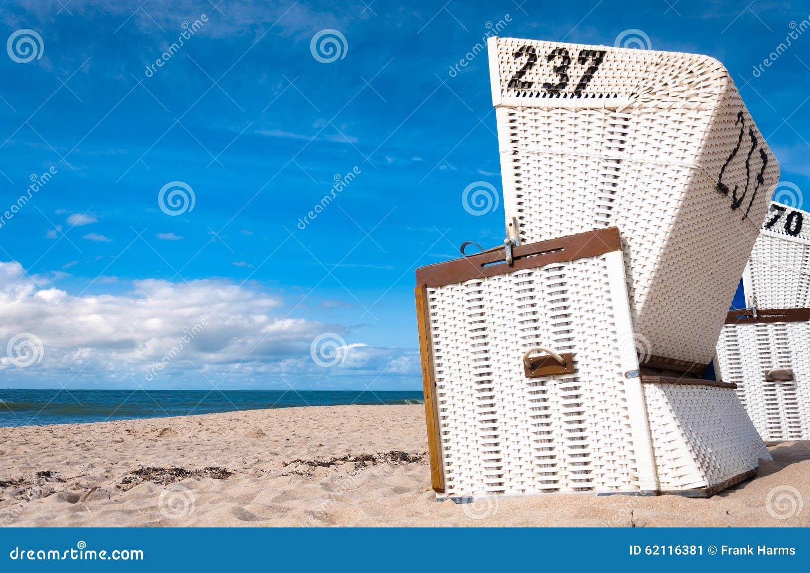 Strandstühle auf der Insel von Sylt, Schleswig-Holstein, Deutschland
