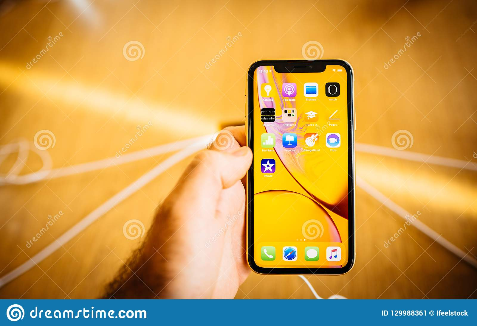 New Yellow IPhone XR Smartphone During Launch Editorial Photo - Image of  technology, iphone: 129988361