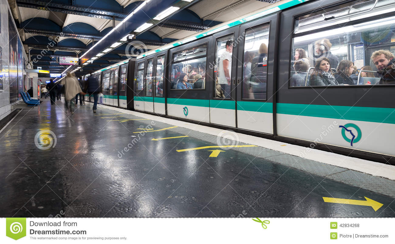 Strasbourg saint denis metro statition editorial stock - Lidl strasbourg saint denis ...