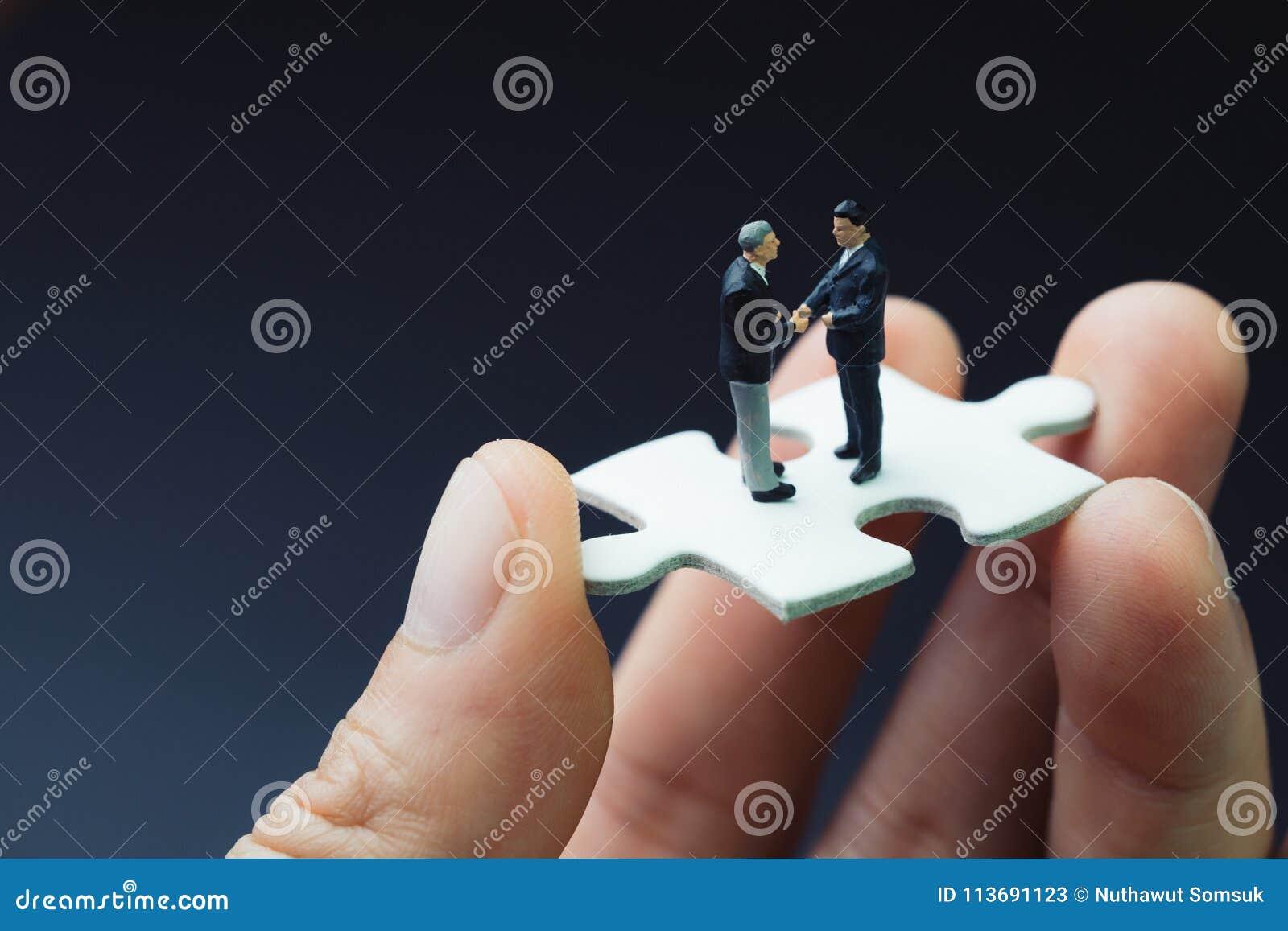 Stratégie de réussite commerciale avec la collaboration, le travail d équipe ou le negoti