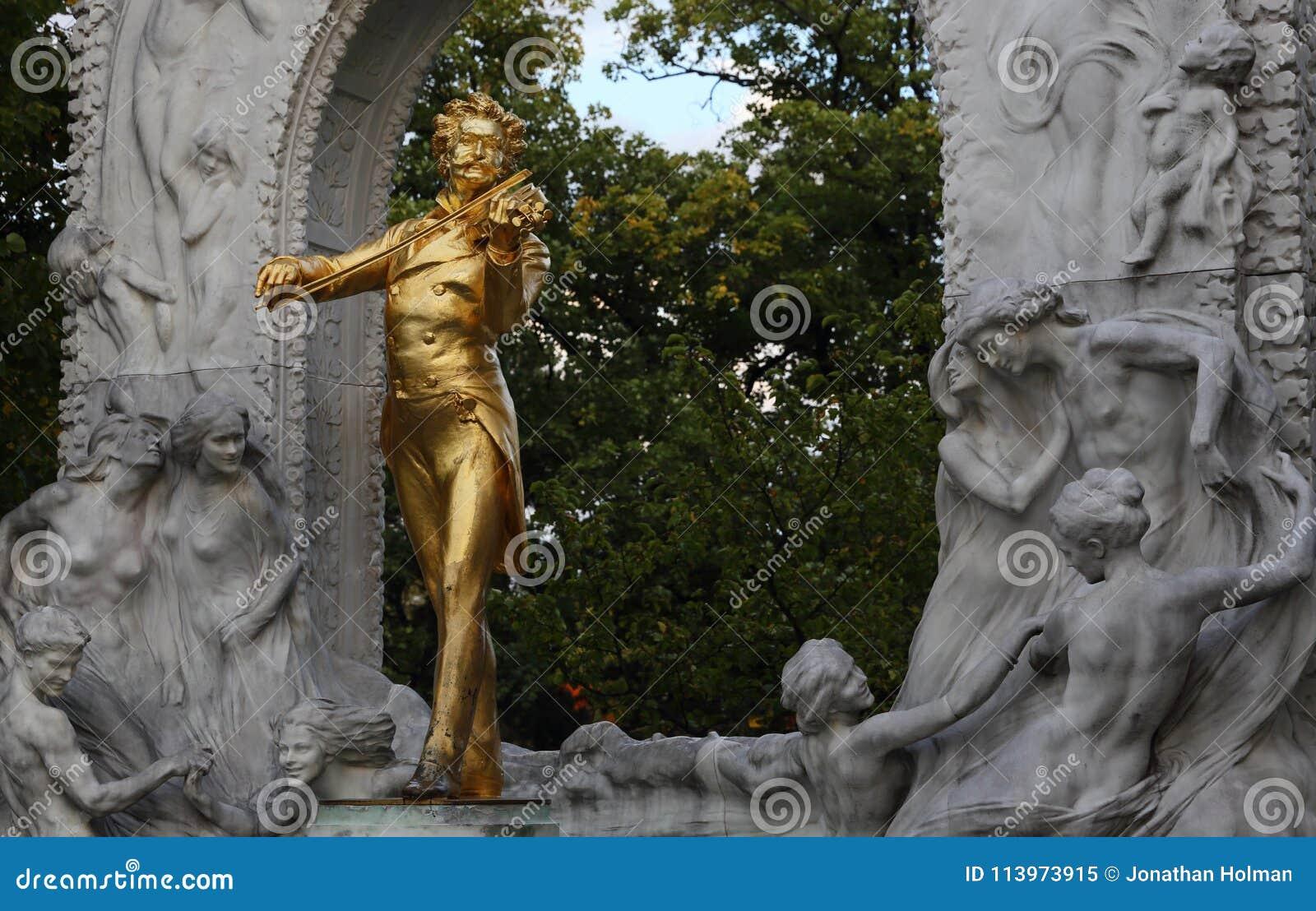 Straussstandbeeld in Wenen, Oostenrijk, Wien Muziek, Componist Gouden Standbeeld