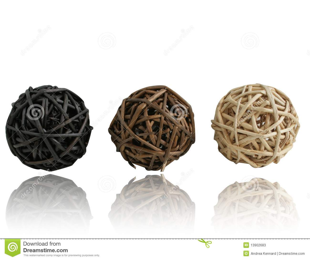 Straw Balls with Reflection