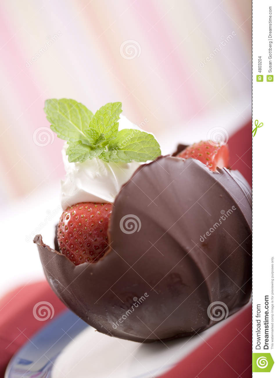 Strawberries And Whipped Cream Bowl Strawberries In A Choc...