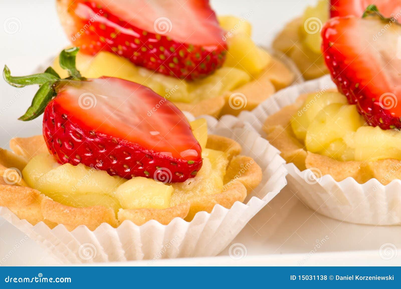 Strawberry dessert with cream fill