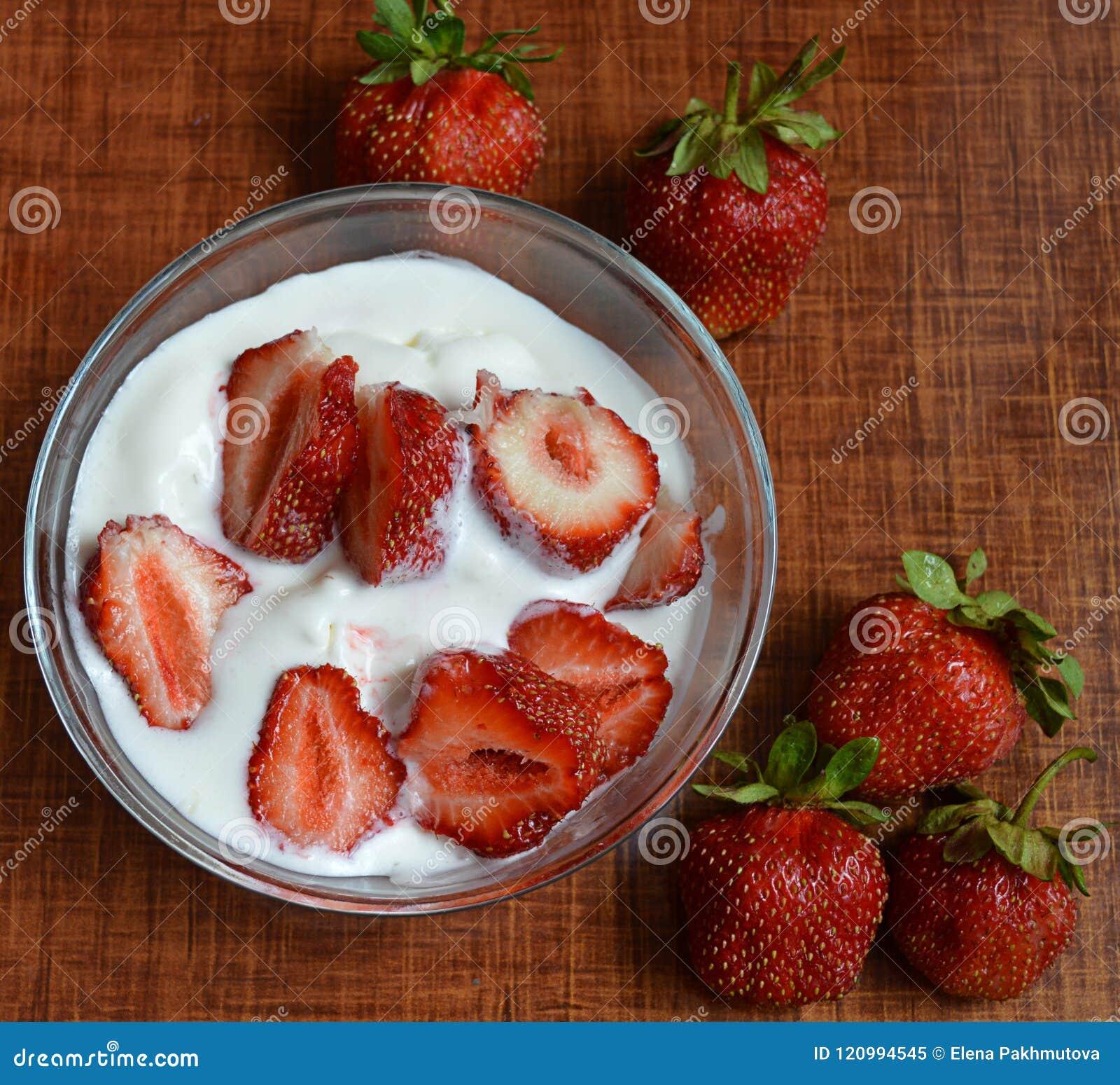 Strawberry, fruit, food, dessert, berry, fresh, red, strawberries, sweet, healthy, bowl, ripe, white, cream, plate, breakfast, die