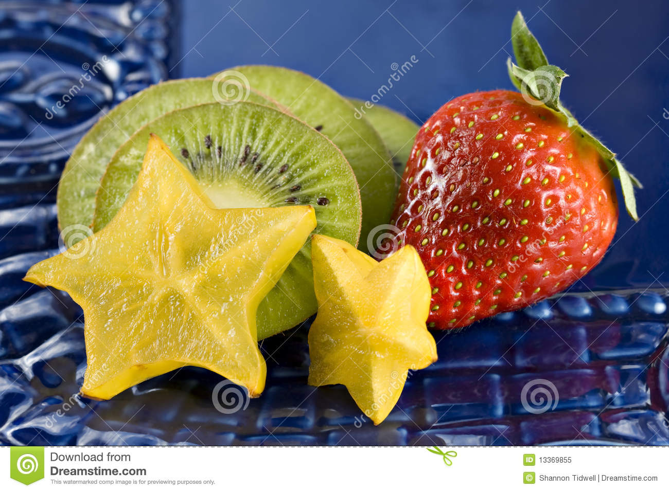 strawberry-kiwi-star-fruit-13369855.jpg