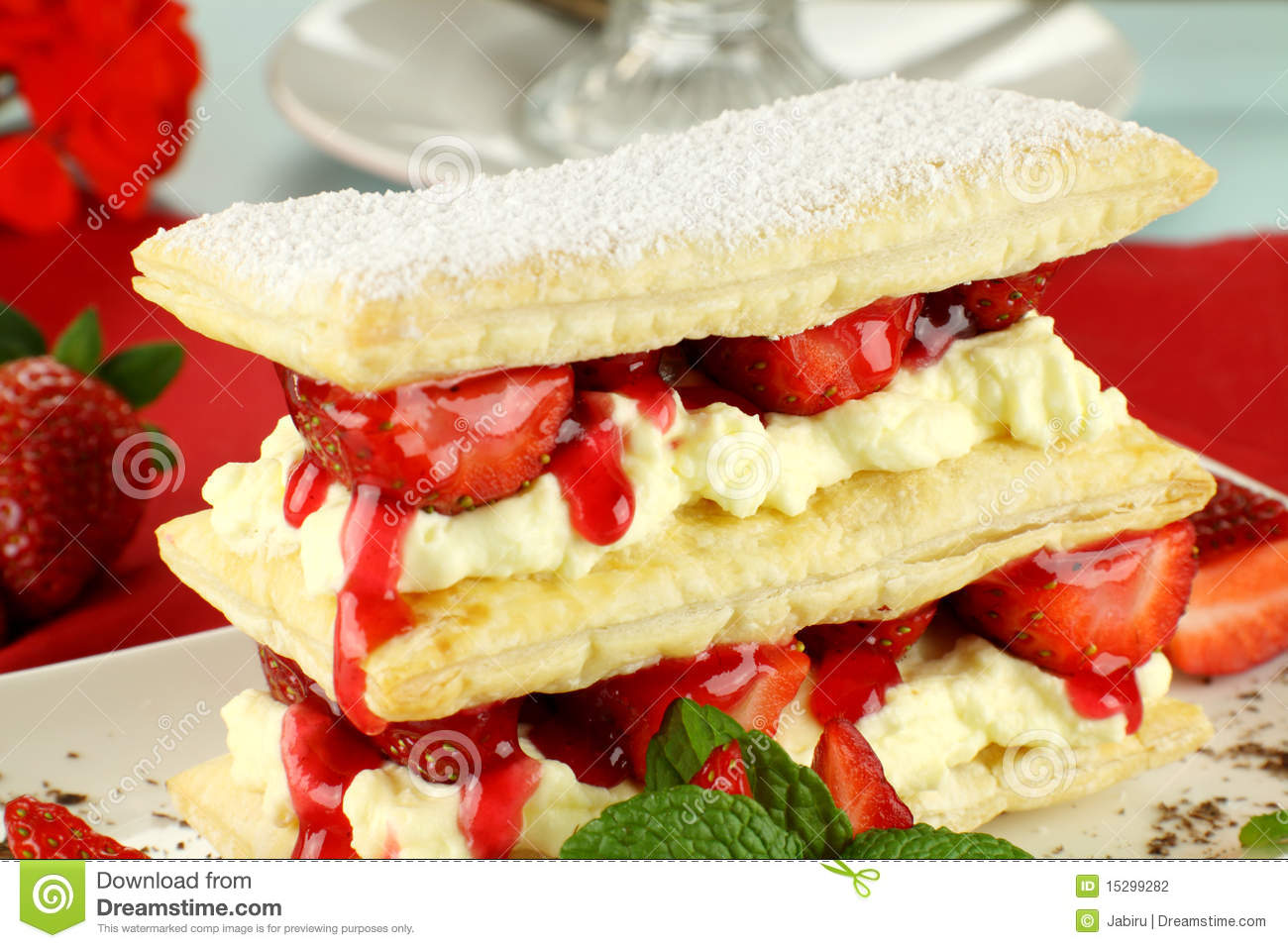 Delicious strawberry mille feuille with fresh strawberries and Vienna ...