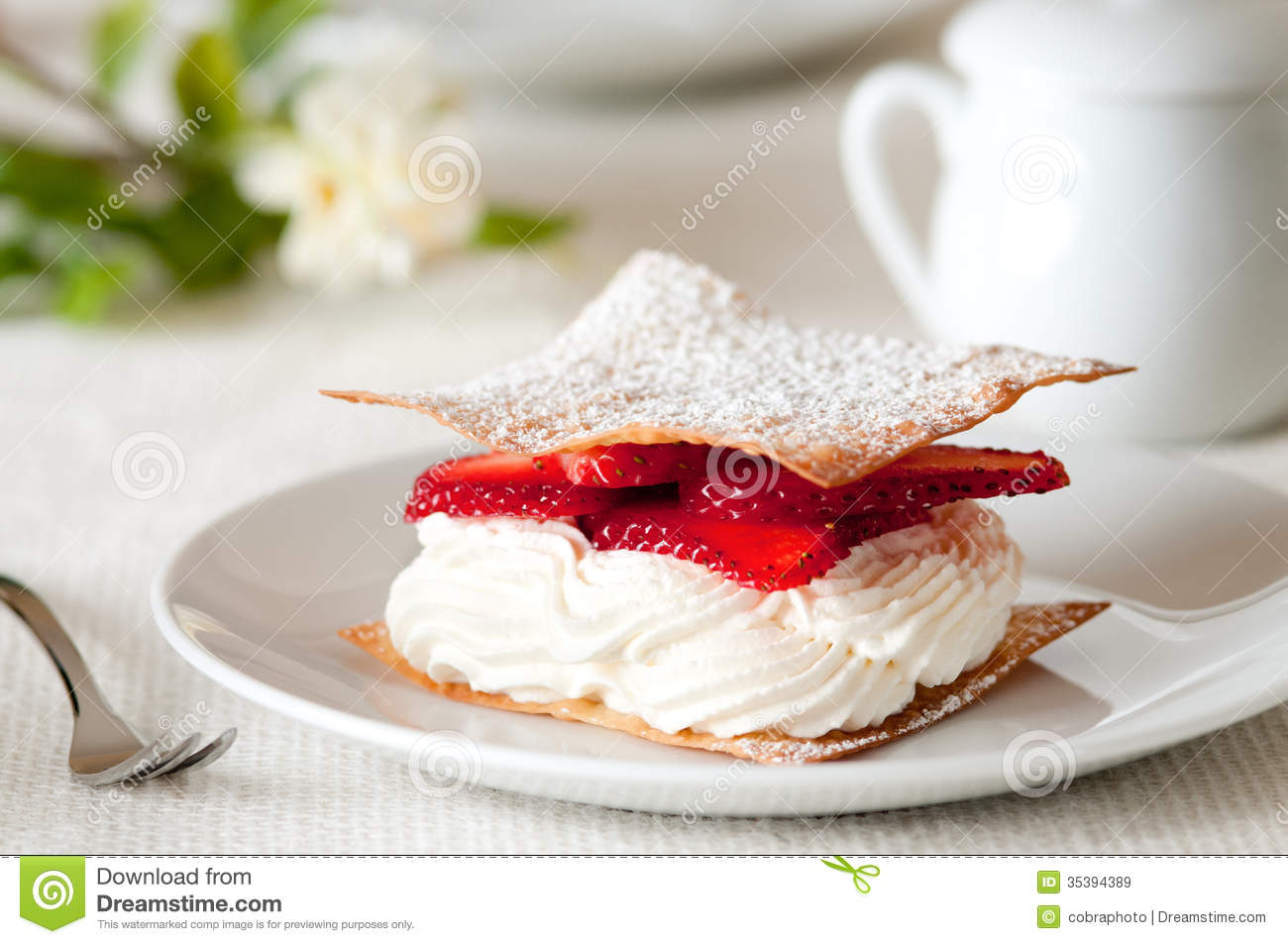 Strawberry Mille Feuille Royalty Free Stock Images - Image: 35394389