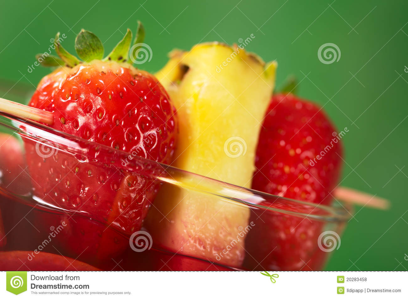 how to cut strawberries for garnish
