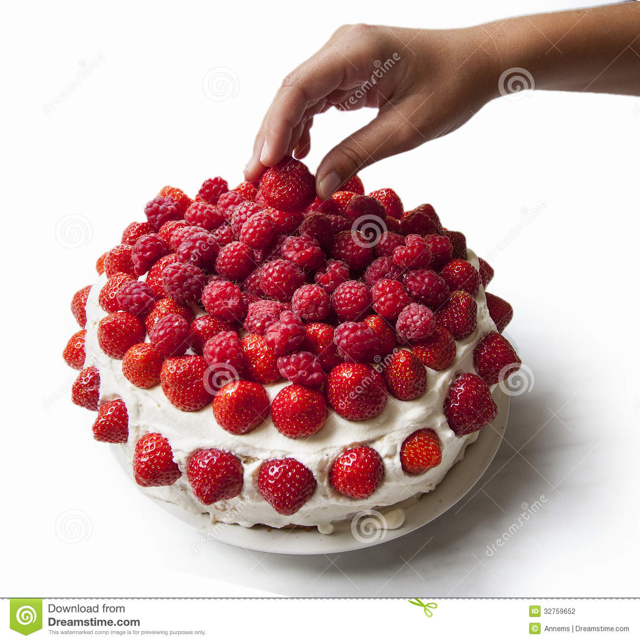 How To Decorate A Cake With Strawberries And Raspberries