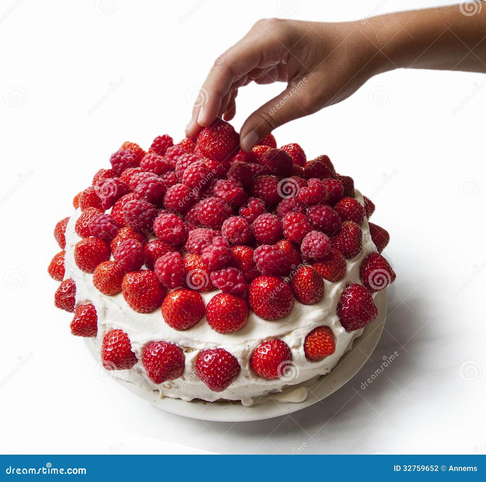 recipe: strawberry and raspberry cake [23]