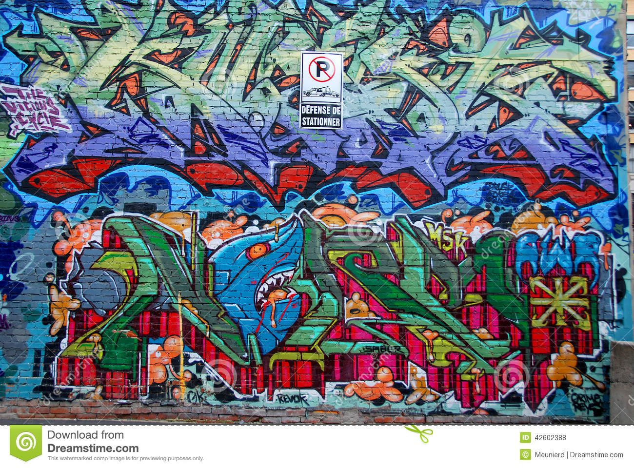Street art montreal editorial stock photo image 42602388 for Air climatise mural montreal