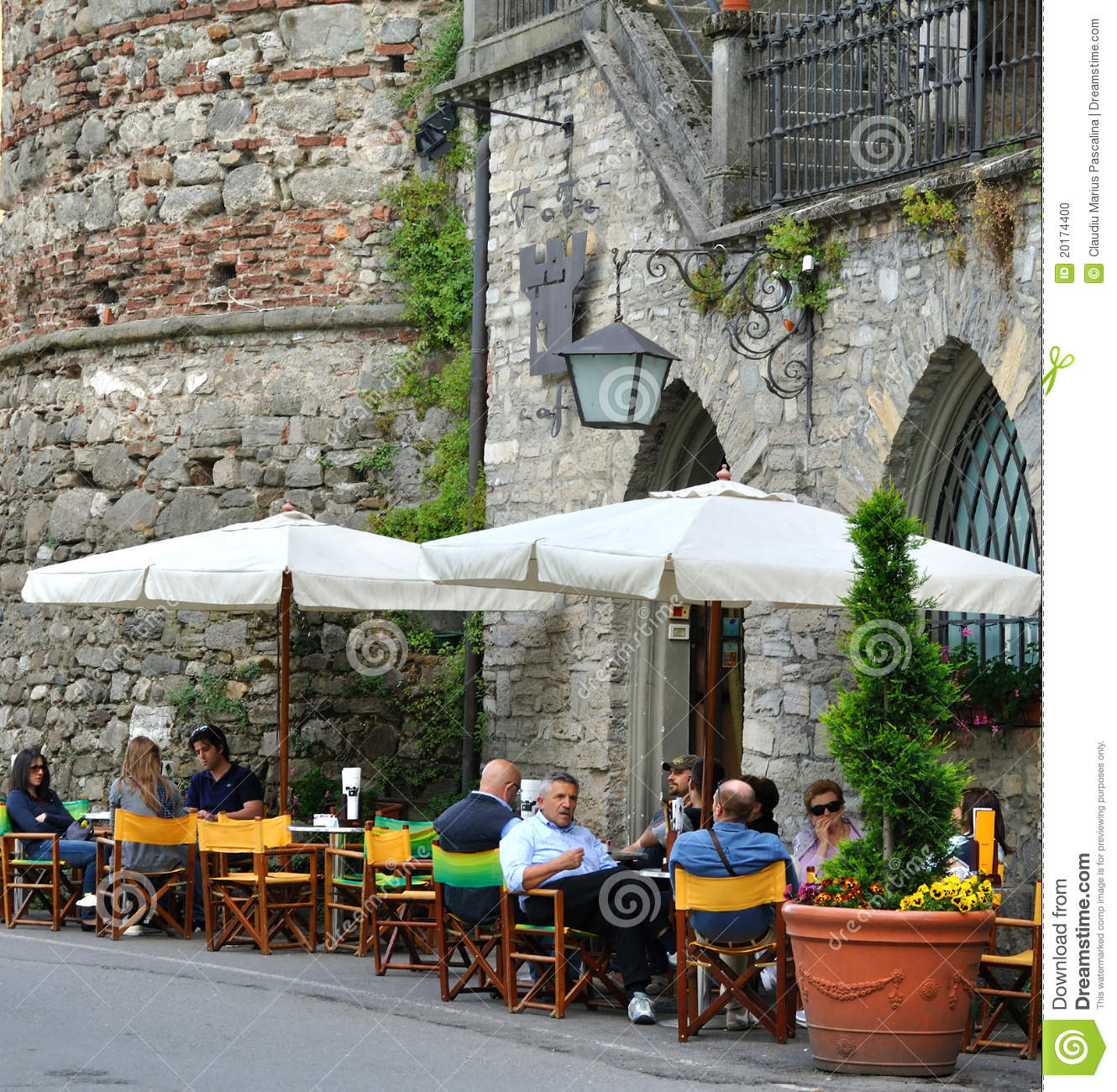 Street Cafe editorial image Image of cafeteria building  : street cafe 20174400 from www.dreamstime.com size 1330 x 1300 jpeg 370kB