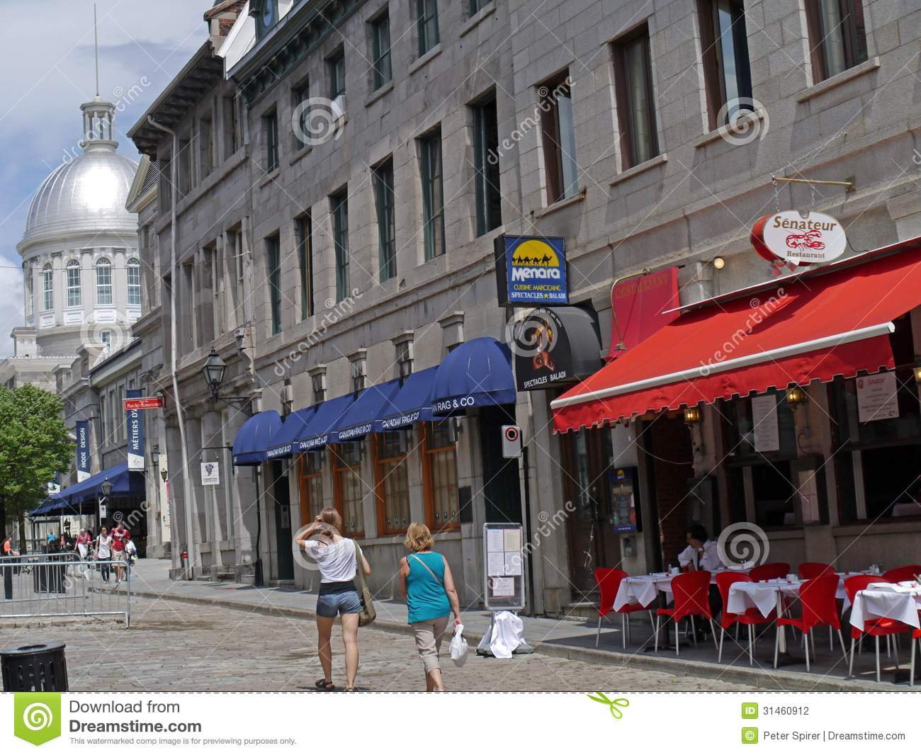 Street In Old Town Of Montreal Editorial Photography