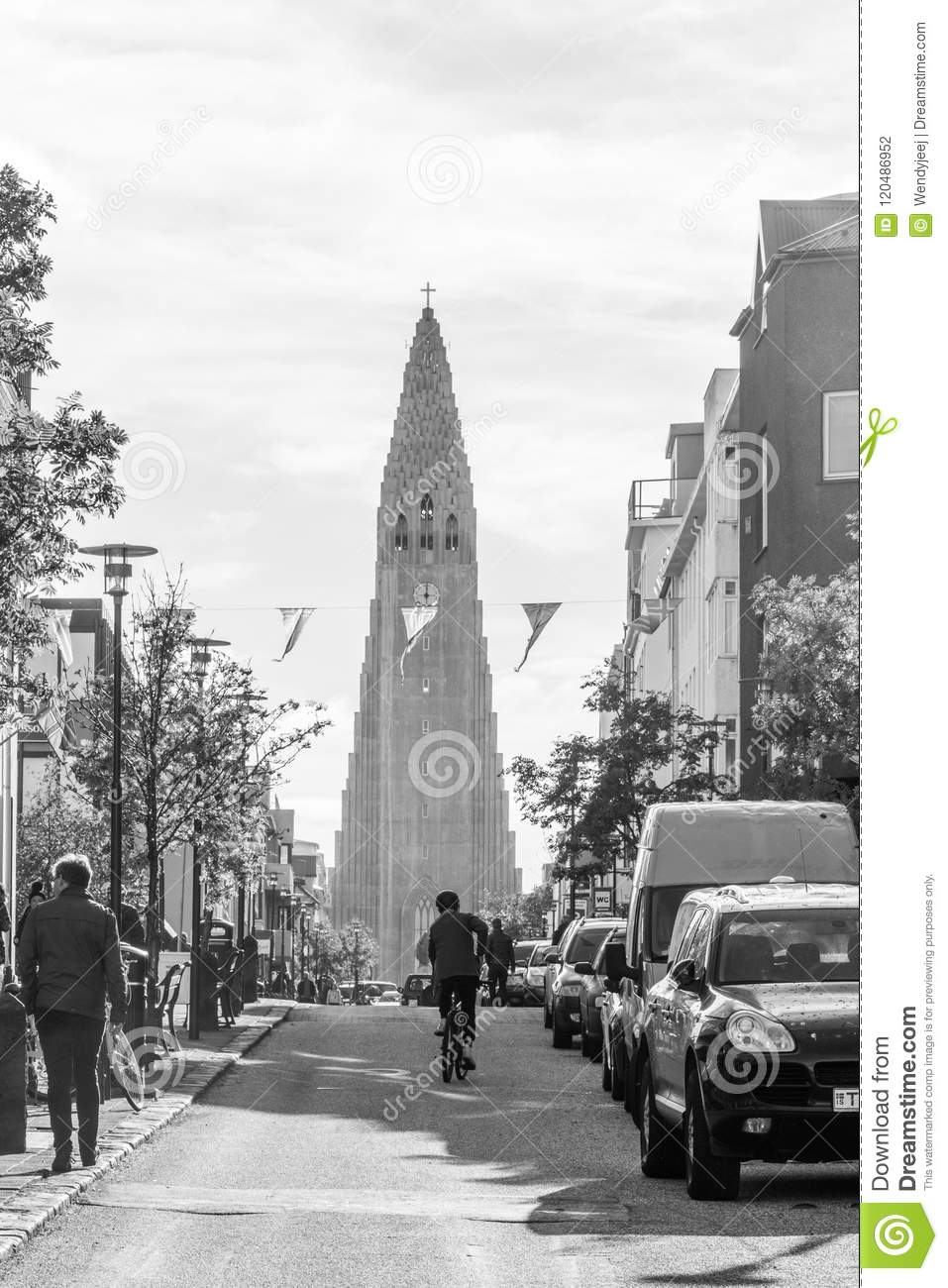 Street And People In Front Of Hallgrimskirkja In Reykjavik, Iceland ...